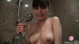 エロエロ人妻をホテルでハメ撮り☆ 見つめ合いながら足をガクガクさせて絶頂する姿に大興奮!!